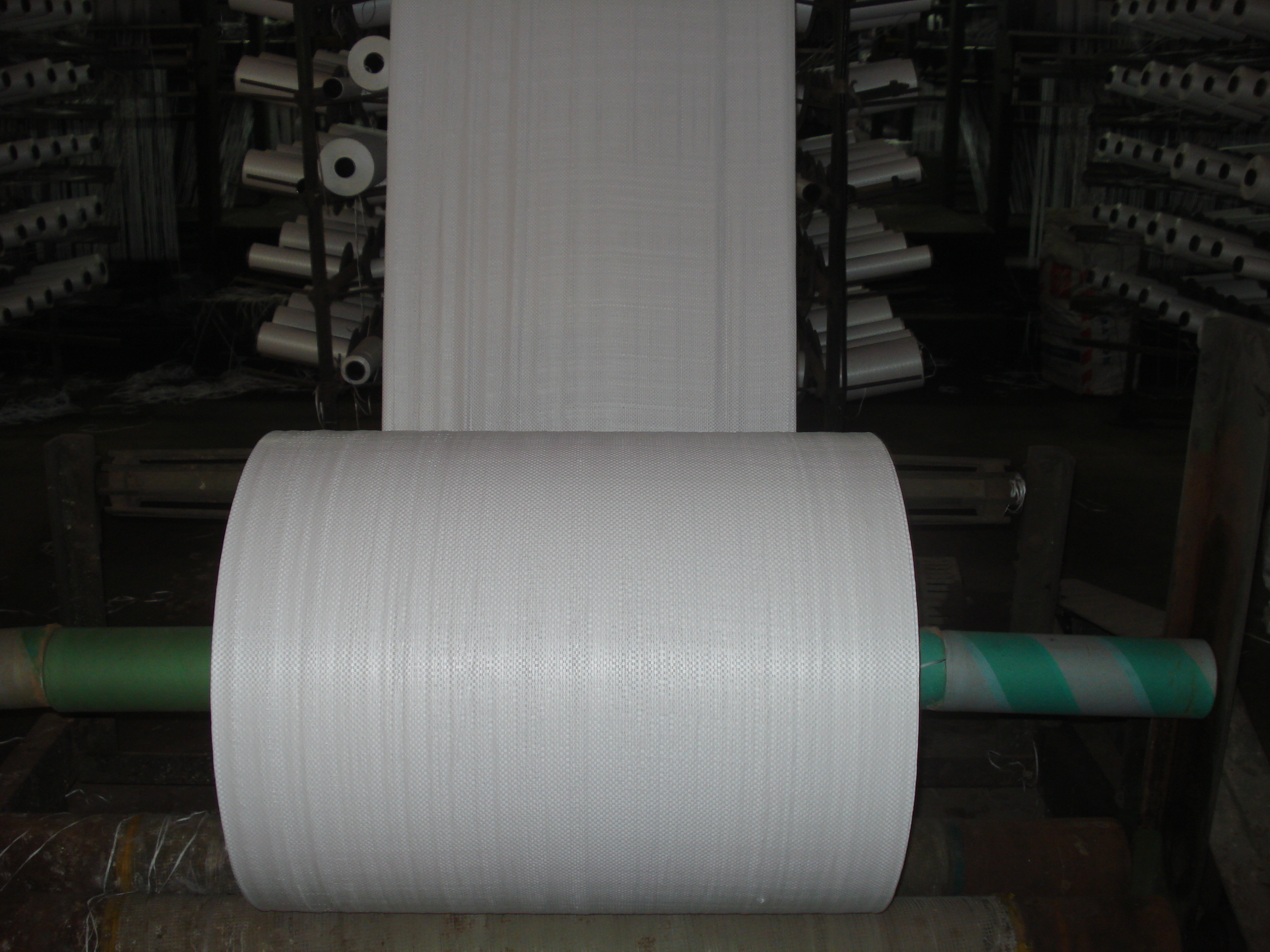 pp-woven-fabric-packing-roll